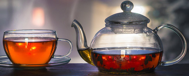 WHO: Uống trà quá nóng làm tăng nguy cơ ung thư và đây là nhiệt độ nên dùng - Ảnh 1.