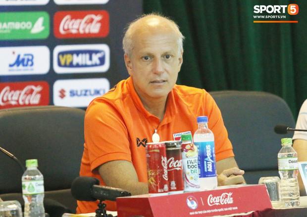 HLV U23 Thái Lan không bị sa thải sau trận thua 0-4 trên sân Mỹ Đình  - Ảnh 2.