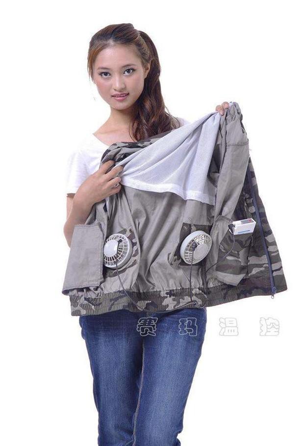 Trời chuyển nắng nóng oi bức, người Trung Quốc rủ nhau mua áo chống nắng gắn quạt điều hòa: Thấy gió mà chẳng thấy mát gì cả! - Ảnh 1.