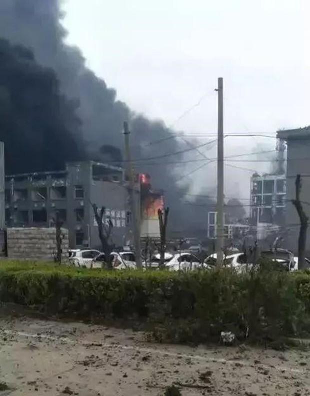 Nổ nhà máy hóa chất ở Trung Quốc, 36 người thương vong - Ảnh 2.