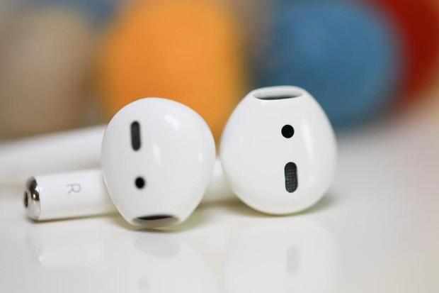 Tiếng lòng iFan: Tức phát khóc khi Airpods 2 ra mắt, như một cái tát phũ phàng của Apple - Ảnh 1.