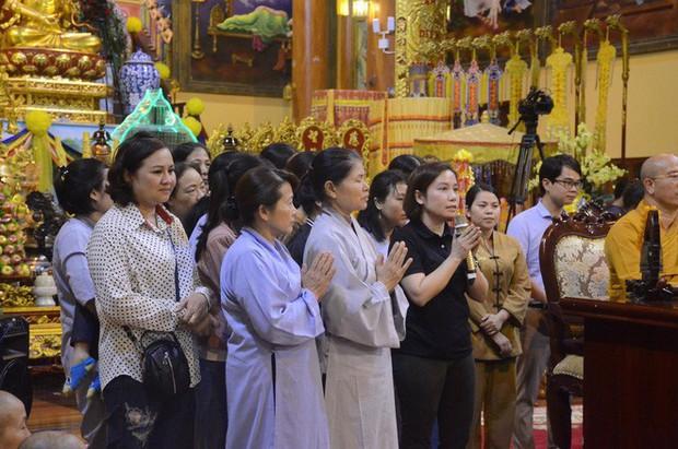 Trụ trì chùa Ba Vàng xác nhận có giải vong báo oán nhưng là tự nguyện, không ép buộc hay hù dọa - Ảnh 12.