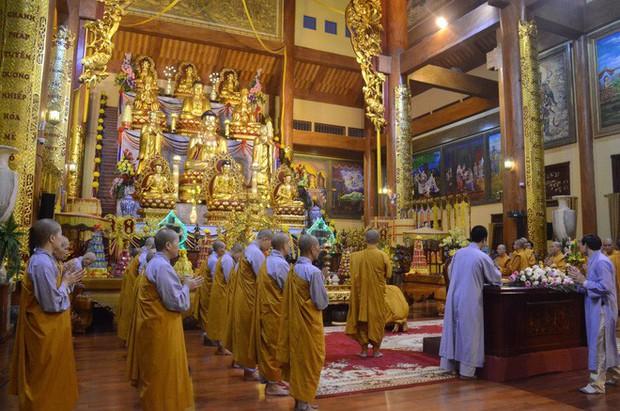 Trụ trì chùa Ba Vàng xác nhận có giải vong báo oán nhưng là tự nguyện, không ép buộc hay hù dọa - Ảnh 7.