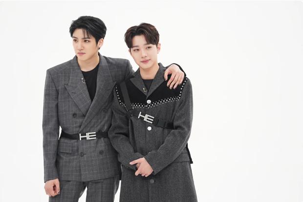 Cao 1m75 nhưng Kwanghee như hóa... người tí hon khi đứng kế 2 nam Idol khổng lồ này! - Ảnh 1.