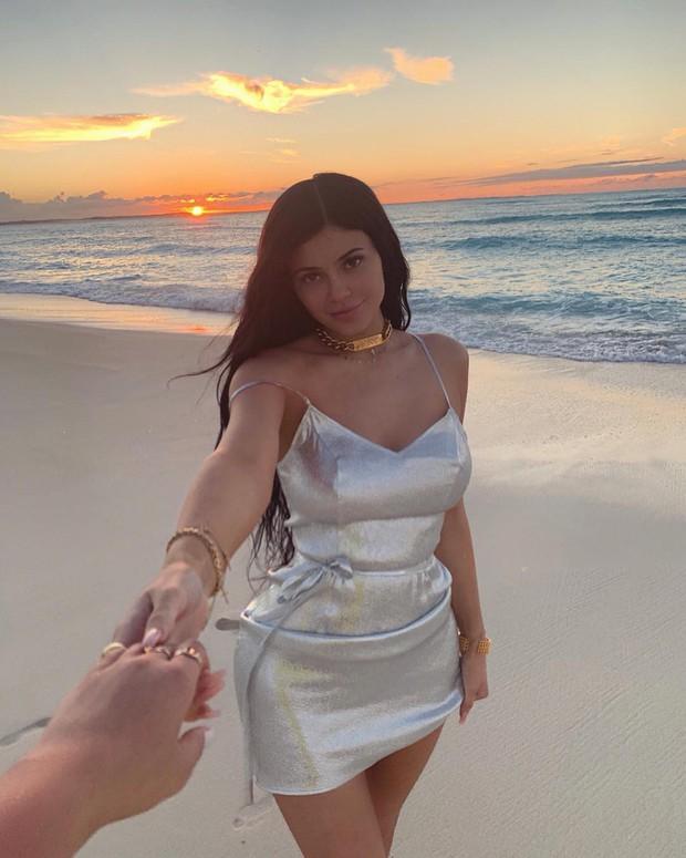 Loạt sở thích du lịch đúng chuẩn quăng tiền ra cửa sổ của Kylie Jenner - nữ tỷ phú tự thân trẻ nhất thế giới - Ảnh 22.