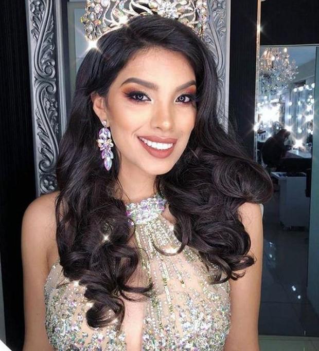 Hoa hậu Hoàn vũ Peru 2019 có thể bị tước vương miện vì lộ clip say xỉn nôn mửa, danh tính kẻ tố cáo mới gây ngỡ ngàng - Ảnh 2.