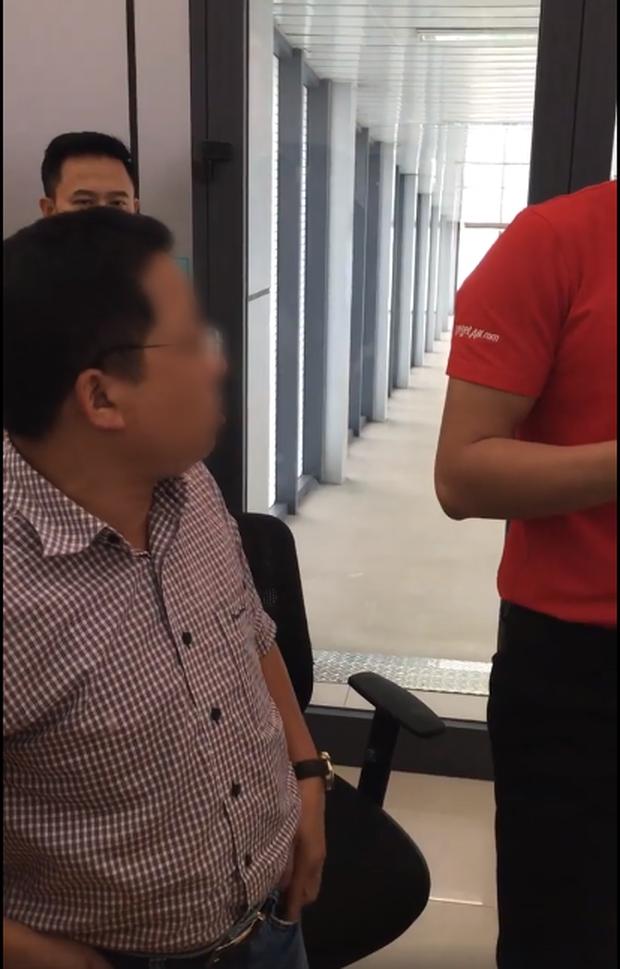 Tranh cãi clip hành khách xưng mày - tao, đe dọa nhân viên VietJet khi bị delay: Túm cổ đấm cho một phát, bắt nó gọi giám đốc ra đây! - Ảnh 5.