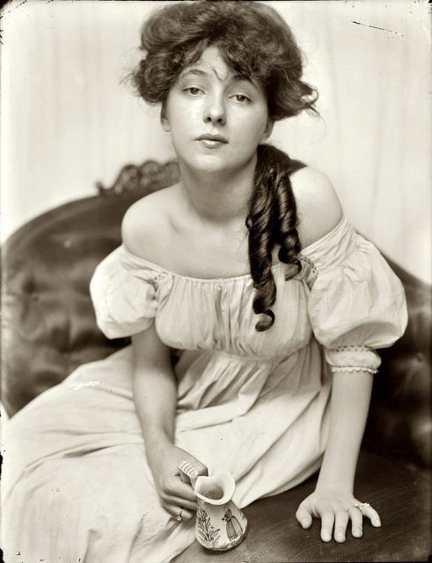 Vẻ đẹp vừa mơ màng vừa mạnh mẽ của những tuyệt sắc giai nhân khắp thế giới đầu thế kỉ 20 - Ảnh 18.