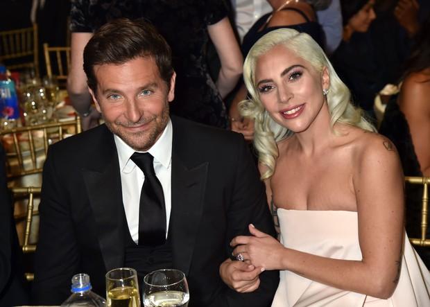 Vừa phủ nhận mang thai không được bao lâu, Lady Gaga lại dính tin đồn hẹn hò tài tử Avengers - Ảnh 2.