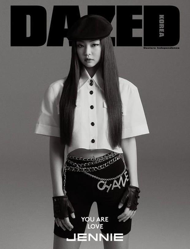 Cùng lên bìa 1 tạp chí nhưng sau 2 năm, vẻ đẹp và thần thái của Jennie (Black Pink) đã thay đổi ngoạn mục - Ảnh 3.