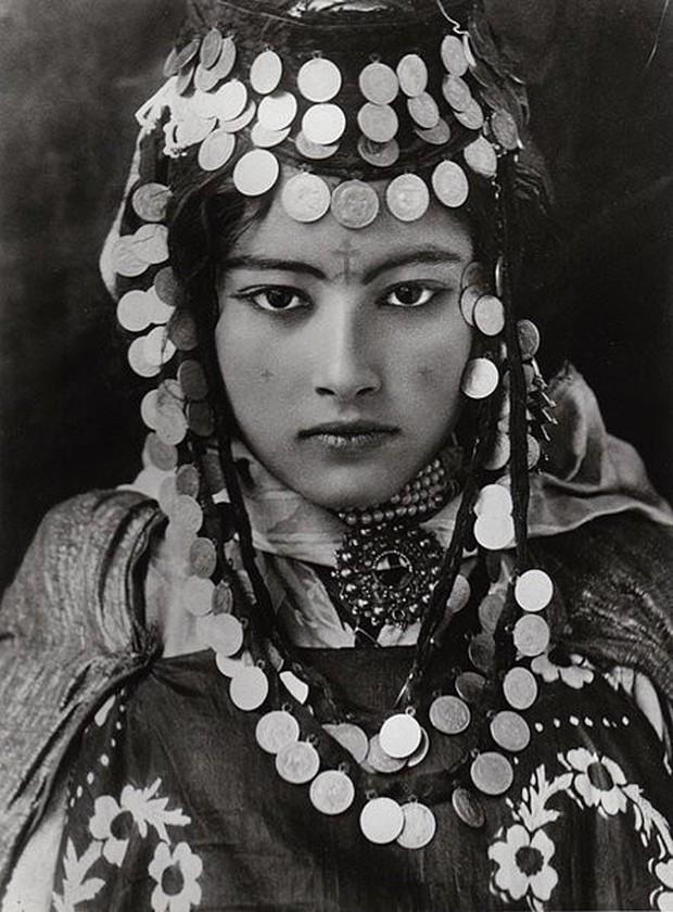 Vẻ đẹp vừa mơ màng vừa mạnh mẽ của những tuyệt sắc giai nhân khắp thế giới đầu thế kỉ 20 - Ảnh 23.