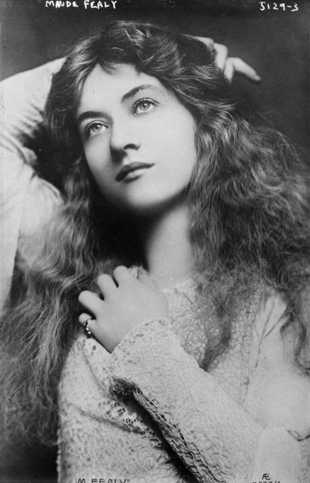 Vẻ đẹp vừa mơ màng vừa mạnh mẽ của những tuyệt sắc giai nhân khắp thế giới đầu thế kỉ 20 - Ảnh 2.