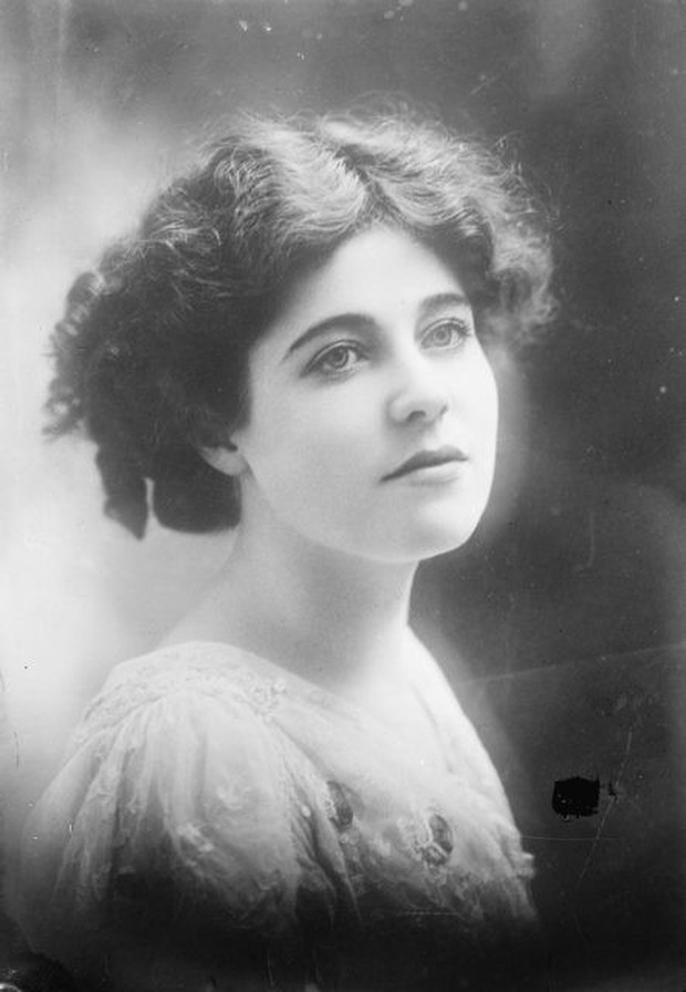 Vẻ đẹp vừa mơ màng vừa mạnh mẽ của những tuyệt sắc giai nhân khắp thế giới đầu thế kỉ 20 - Ảnh 1.