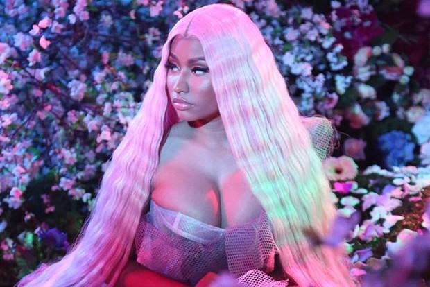 """Một loạt lý do xúi quẩy khiến Nicki Minaj thay thế danh hiệu """"nữ hoàng hủy show"""" của Ariana Grande - Ảnh 1."""