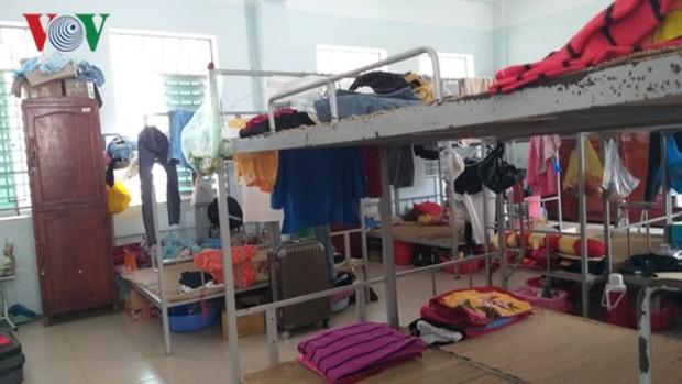 Khánh Hòa: Ký túc xá thành chợ đêm, sinh viên thiếu chỗ ở - Ảnh 1.
