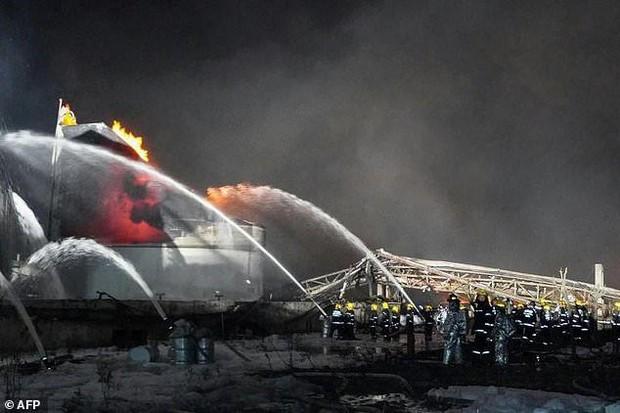 Hiện trường vụ nổ nhà máy hóa chất Trung Quốc, 47 người thiệt mạng - Ảnh 2.