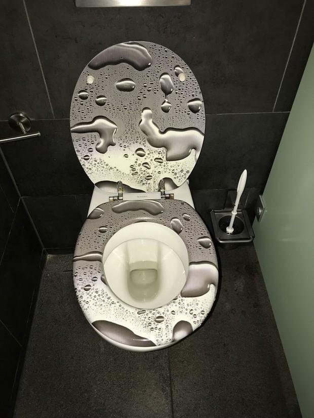 20 thiết kế nhà vệ sinh thảm họa khiến dân mạng thủ thỉ: Thôi, thà nhịn còn hơn - Ảnh 3.