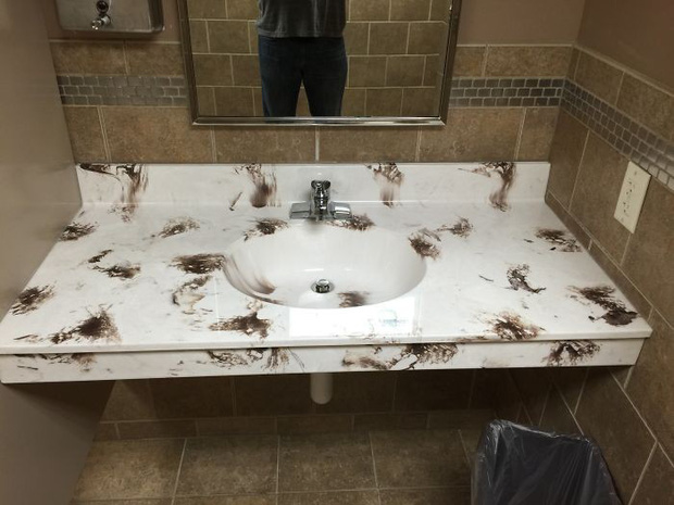 20 thiết kế nhà vệ sinh thảm họa khiến dân mạng thủ thỉ: Thôi, thà nhịn còn hơn - Ảnh 6.