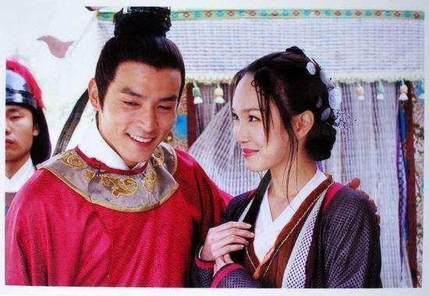 Netizen Trung chê Vu Mông Lung mặt rắn, Cúc Tịnh Y xài đồ taobao trong Tân Bạch Nương Tử Truyền Kỳ - Ảnh 5.
