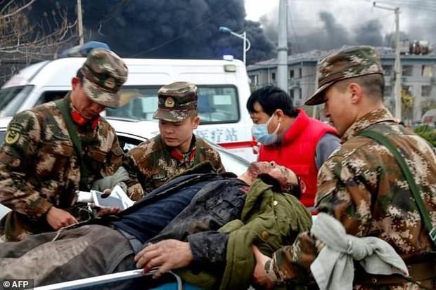Hiện trường vụ nổ nhà máy hóa chất Trung Quốc, 47 người thiệt mạng - Ảnh 4.