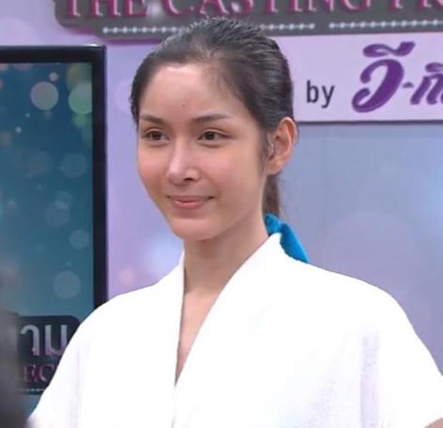 Soi mặt mộc của dàn mỹ nhân chuyển giới hot nhất Thái Lan: Nong Poy quá đỉnh, Yoshi đẹp tựa thiên thần đời thực - Ảnh 37.