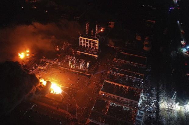 Hiện trường vụ nổ nhà máy hóa chất Trung Quốc, 47 người thiệt mạng - Ảnh 6.