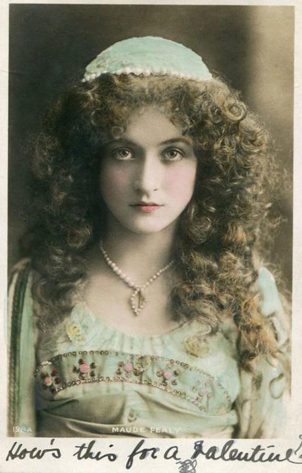 Vẻ đẹp vừa mơ màng vừa mạnh mẽ của những tuyệt sắc giai nhân khắp thế giới đầu thế kỉ 20 - Ảnh 8.