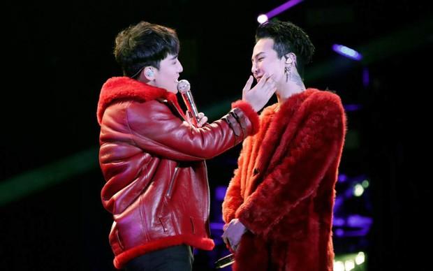 Thuyền G-Dragon và Seungri lật tan tành: Những khoảnh khắc tình cảm không thể thấy lại của cặp đôi huyền thoại - Ảnh 17.