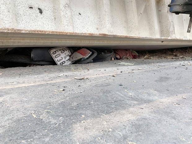 Vụ container lật đè chết bé trai 2 tuổi và 2 người phụ nữ: Các nạn nhân đều cùng một gia đình - Ảnh 2.