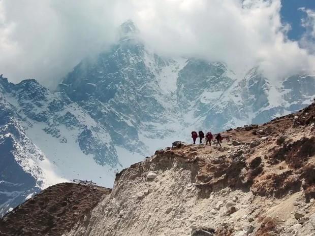 Không chỉ xác người trên Everest, băng tan còn khiến thế giới phải đối mặt với một hiểm họa đáng sợ hơn thế - Ảnh 3.