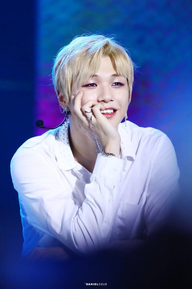 BXH idol hot nhất Kpop: Kang Daniel ngồi không cũng rủng rỉnh lên top với BTS, Jennie bất ngờ bị idol nữ này vượt mặt - Ảnh 2.