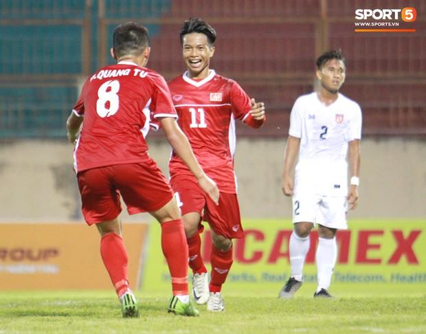U19 Việt Nam 2-1 U19 Myanmar: Tiểu Công Phượng tỏa sáng - Ảnh 1.