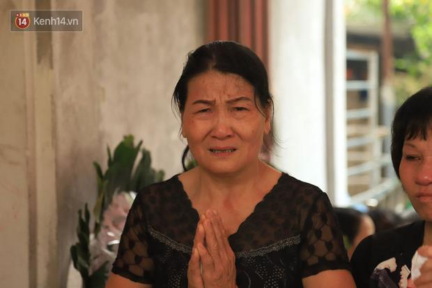 Bà ngoại của 1 trong 8 học sinh đuối nước tử vong: Ngày nào nó đi học về cũng nấu cơm chờ bà cùng ăn, giờ nó không chờ nữa rồi... - Ảnh 3.