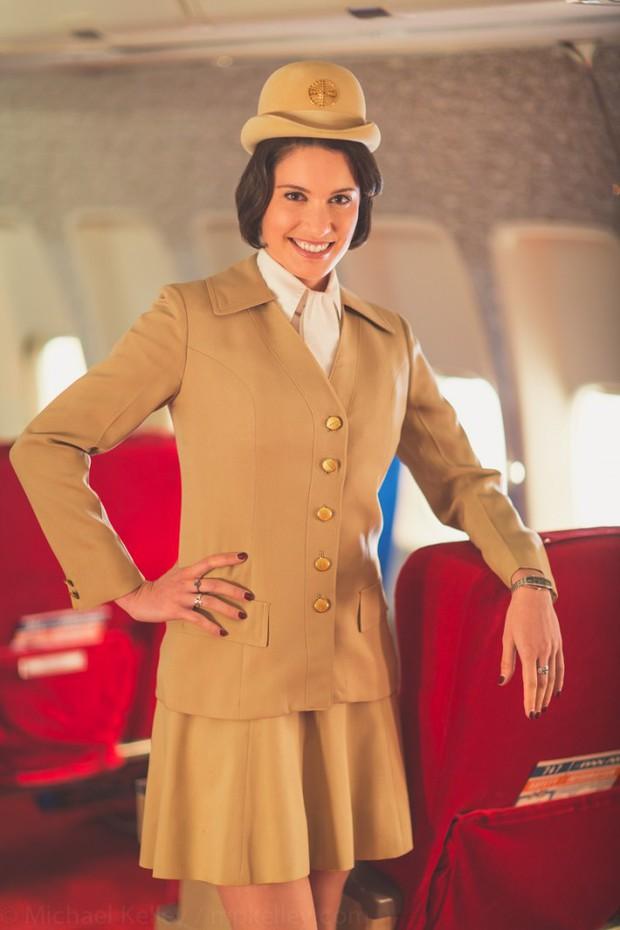 Trải nghệm hạng thương gia trên chiếc Boeing 747 theo phong cách retro: Giống như đang xem một bộ phim cổ điển! - Ảnh 1.