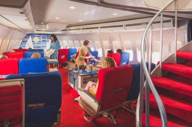 Trải nghệm hạng thương gia trên chiếc Boeing 747 theo phong cách retro: Giống như đang xem một bộ phim cổ điển! - Ảnh 6.