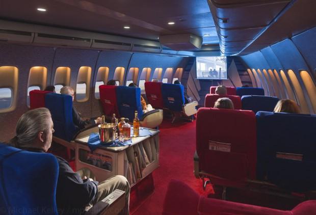 Trải nghệm hạng thương gia trên chiếc Boeing 747 theo phong cách retro: Giống như đang xem một bộ phim cổ điển! - Ảnh 16.