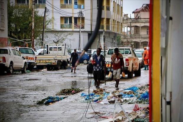 Tăng cường cứu trợ người sống sót sau siêu bão Idai - Ảnh 1.
