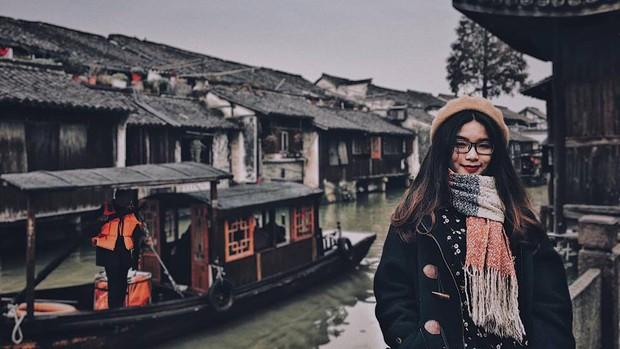 Đi du lịch một mình mà vẫn muốn có ảnh đẹp? Đọc ngay loạt bí kíp tự chụp đỉnh cao của cô nàng thực tập sinh tại Trung Quốc nhé! - Ảnh 6.