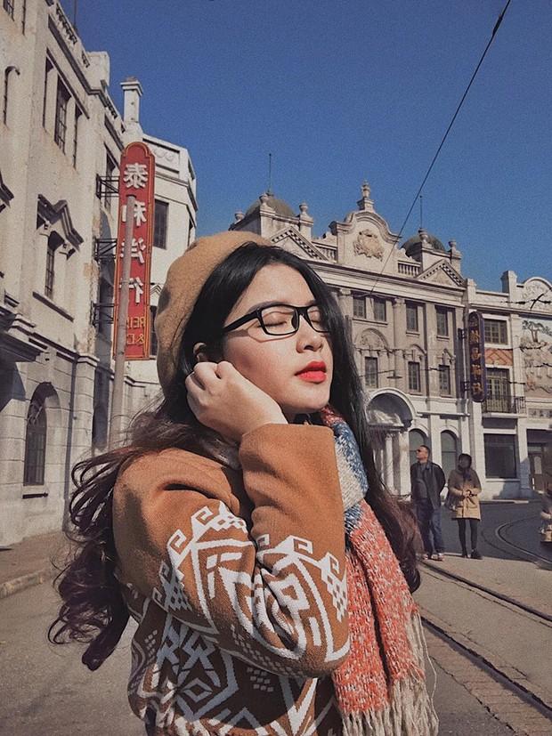 Đi du lịch một mình mà vẫn muốn có ảnh đẹp? Đọc ngay loạt bí kíp tự chụp đỉnh cao của cô nàng thực tập sinh tại Trung Quốc nhé! - Ảnh 2.