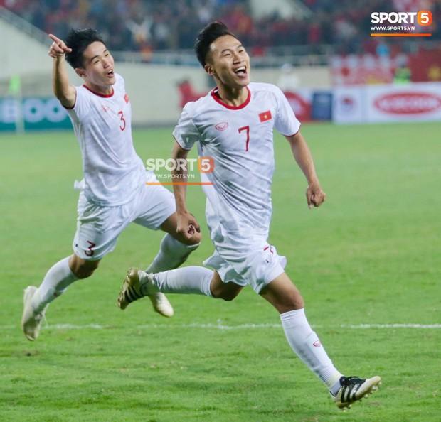 Hành trình từ người thừa trở thành người hùng của tiền vệ U23 Việt Nam qua những kỷ vật vô giá - Ảnh 11.