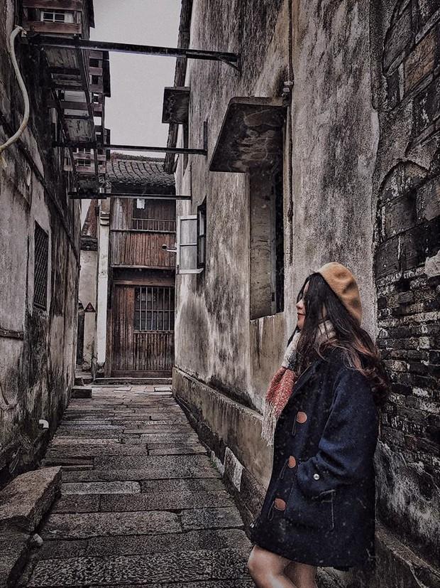 Đi du lịch một mình mà vẫn muốn có ảnh đẹp? Đọc ngay loạt bí kíp tự chụp đỉnh cao của cô nàng thực tập sinh tại Trung Quốc nhé! - Ảnh 17.