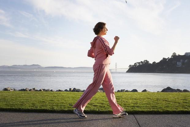 Nên và không nên làm những điều này sau khi ăn để duy trì cơ thể luôn khỏe mạnh - Ảnh 6.