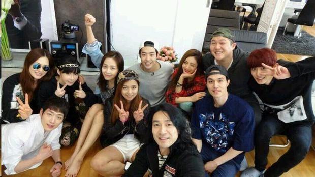 Vì sao fan của Produce X 101 cứ nằng nặc đề cử Host Lee Dong Wook cho vị trí... Center? - Ảnh 11.