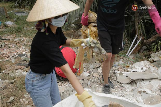 Chi Pu và Quỳnh Anh Shyn nhập cuộc Thử thách dọn rác: Khi việc làm ý nghĩa lan tỏa ngày càng mạnh mẽ! - Ảnh 8.
