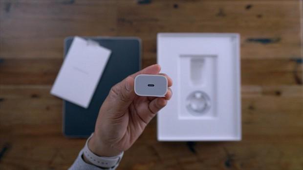 iPhone 11 sẽ có khả năng sạc không dây cho Apple Watch và AirPods, tặng kèm củ sạc nhanh USB-C? - Ảnh 2.