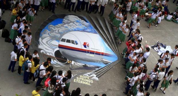 Cuộc điện thoại bất lực của cơ phó MH370 trước khi máy bay biến mất - Ảnh 1.