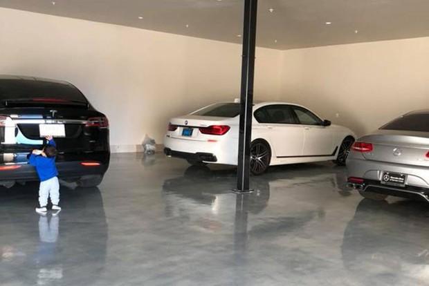 Choáng với những bộ sưu tập siêu xe cực đắt đỏ, đáng giá cả gia tài của sao Vbiz - Ảnh 1.