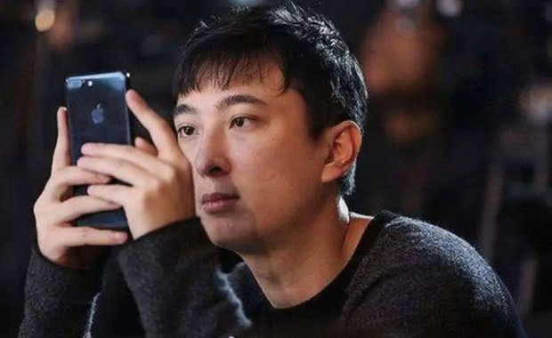 Cuộc sống quá khác biệt của giới con nhà giàu Trung Quốc dù cùng ngậm thìa bạc: Người một bữa ăn hết 5.000 USD, người không xe phải đi tàu điện ngầm - Ảnh 2.