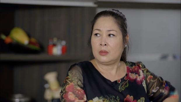 Bó tay bái phục với 4 cao chiêu của các bà mẹ tánh kỳ trên màn ảnh Việt - Ảnh 1.