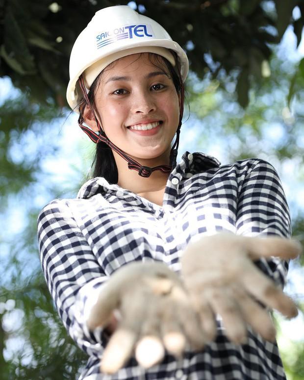 Khoe mặt mộc, Hoa hậu Tiểu Vy lộ nhược điểm nhưng vẫn xinh đẹp ngất ngây - Ảnh 4.
